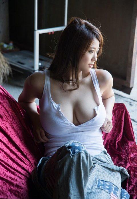 深田ナナエロ画像097