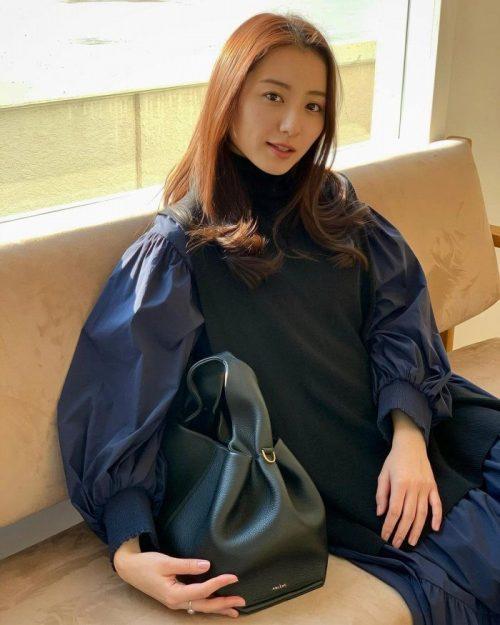 高田里穂 エロ画像038